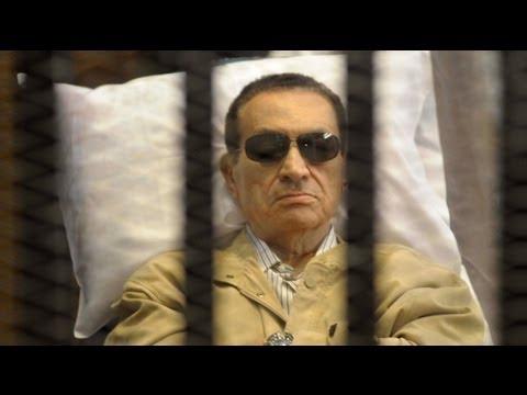 Egypt's Mubarak wins appeal for retrial