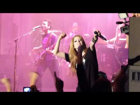 Avril Lavigne -What The Hell/ Girlfriend (The Black Star Tour- Live In Singapore Concert 2011)