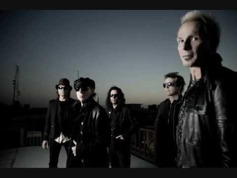 Tekst piosenki Scorpions - Hate to Be Nice po polsku