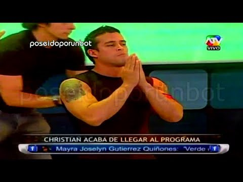 christian - MARIO HART EMPUJA A CHRISTIAN A LA PISCINA POR LLEGAR TARDE. Siguenos por facebook!! http://www.facebook.com/pages/Lo-Mejor-de-Combate-en-HD/403902492992793?...
