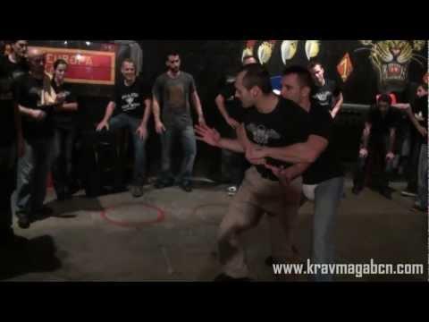 Defensa contra abrazo del Oso (Bear Hug) – Krav Maga Worldwide Barcelona – Andres Bravo