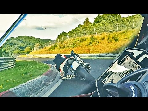 Very Fast Yamaha R1 Biker Chases R6 On The Nordschleife