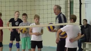 Упражнения по волейболу нападающий удар передача сверху развитие координации в волейболе - Скачать видео с youtube онлайн в форм