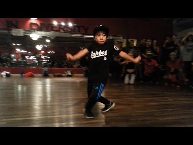 8 tuổi cho một màn nhảy quá đỉnh