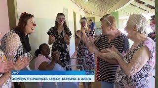 Jovens e crianças fazem visitas e levam alegria a asilo de Jaú