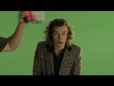 scenes - One Direction 'Steal My Girl' Behind The Scenes Teasers! Subscribe to Hollywire | http://bit.ly/Sub2HotMinute Send Chelsea a Tweet! | http://bit.ly/TweetChelsea Follow Hollywire! | http://bit.l...