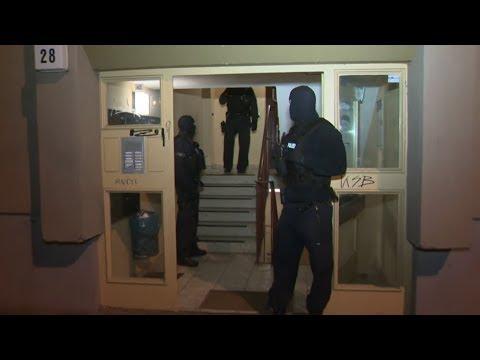 Polizei-Razzien nach Überfall auf Geldtransporter und ...