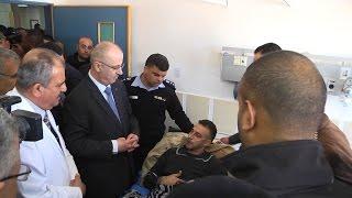 رئيس الوزراء يتفقد أفراد الشرطة المصابين خلال حملة المركبات الغير قانونية