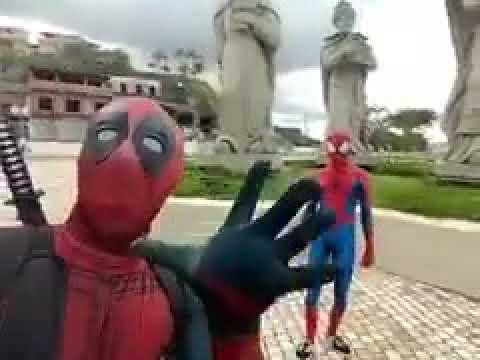 Homem Aranha e DeedPool Dançando só que Vrau em Angra dos Reis