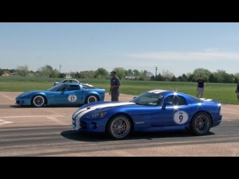 corvette vs viper....race exceptional high speed
