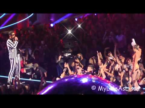 Miley Cyrus VMA 2013 with Robin Thicke SHOCKED