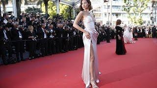 Video Watch !!!Bella Hadid  Suffers Epic Wardrobe Malfunction At Cannes 2017 MP3, 3GP, MP4, WEBM, AVI, FLV September 2017