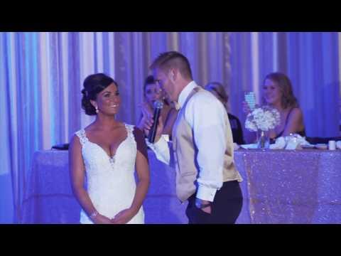 Na weselu mówi żonie, że teraz stworzą szczęśliwą rodzinę we 3 i wskazuje kogoś kto stoi za nią!
