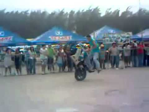 Sorprendentes Acrobacias En Motos Deportivas   Videos De Motos Deportivas
