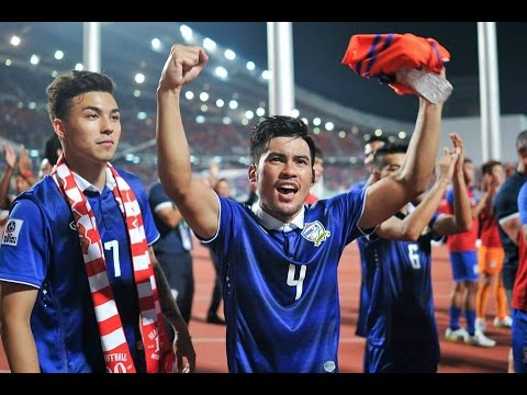 Cup - Thailand 2-0 Malaysia: Two 2nd half goals from Charyl Chappuis & Kroekrit Thaweekarn gave Thailand the advantage in the 1st leg of the 2014 AFF Suzuki Cup Final Facebook: ...