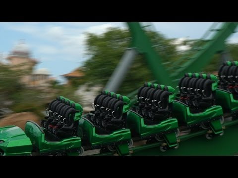What's New At Universal Orlando This Week | HULK Virtual Reality Preview & Secret Life Of Pets Store