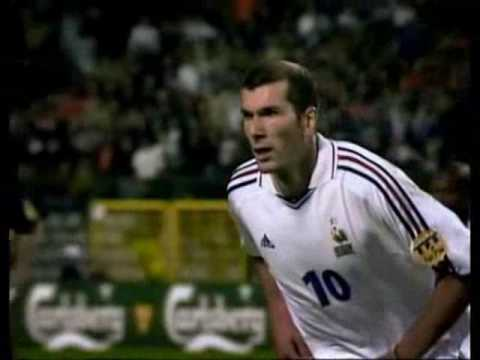 scientist - Zinedine Zidane is a football scientist forever...my tribute... Copies of this video are on youtube and others sites, please notice that I'm the original mak...