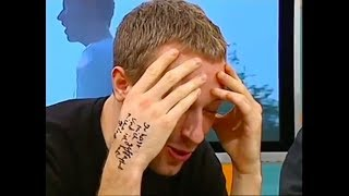 Chris Martin singing The Scientist in reverse