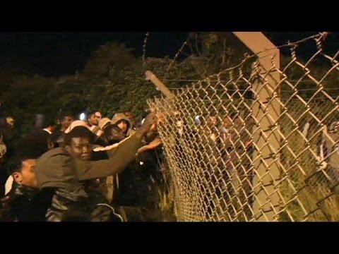 Περισσότεροι από 200 μετανάστες επιχείρησαν να περάσουν από το Καλέ στη Βρετανία