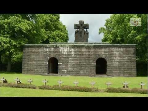 L'inhumation de soldats de la Deuxième Guerre Mondiale