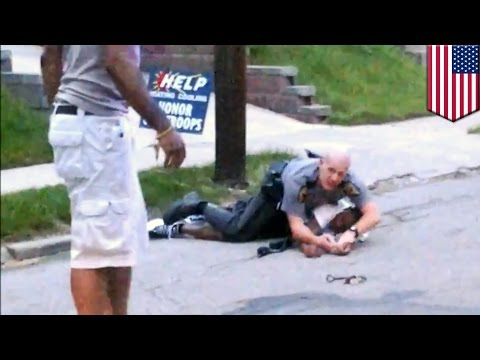 Civilian hero risks life to save cop fighting suspect resisting arrest in Cincinnati - TomoNews