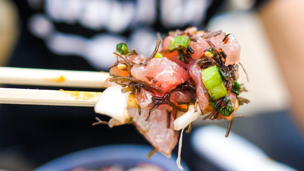 The Ultimate Local HAWAII FOOD TOUR in Honolulu – Loco Moco, Poke, Hawaiian Food and Shave Ice!