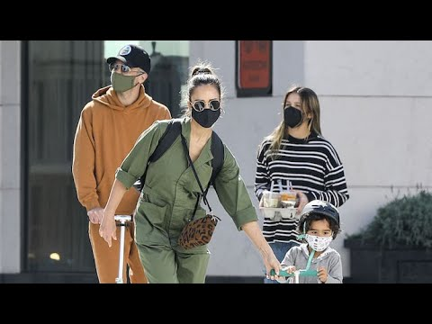 Jessica Alba Rocks Green Jumpsuit For Sunday Outing With The Fam