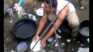 Video anak kos cuci piring.3gp