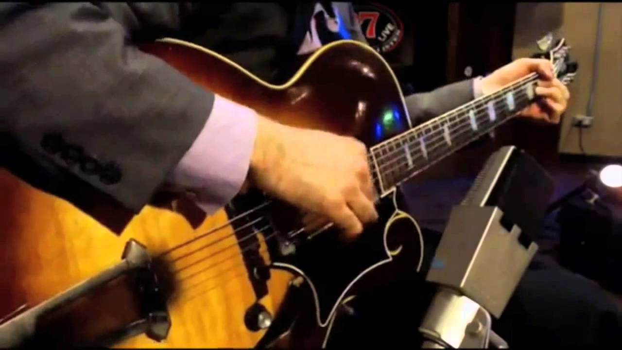 Solo Jazz Guitar – Andy Brown Solo at the Whiskey Lounge