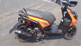 9. 2014 Yamaha Zuma 125 Walk Around & Review
