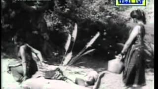 Kattodu Kuzhal Aada - Tamil Classic Song - Periya Idathu Penn - MGR
