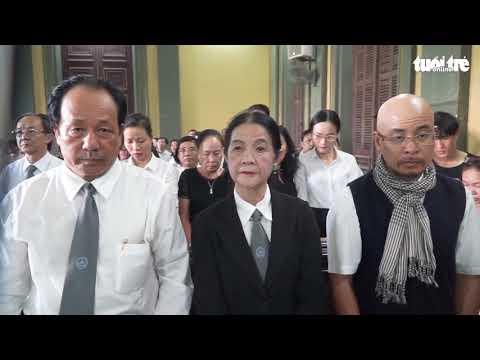 Bà Diệp Thảo rơi nước mắt sau phiên tòa ly hôn - Thời lượng: 106 giây.