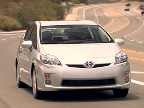 2010 Toyota Prius Video Review – Kelley Blue Book