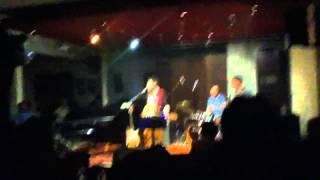 Stand up comedy versi Baim Trio