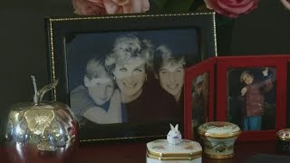 An exhibition marking 20 years since the death of Princess Diana celebrates her life through her most treasured possessions. Report by Charlotte Brehaut.