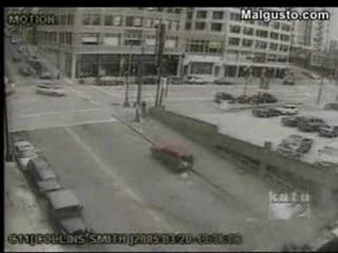 A un camión se le vaciaron los frenos