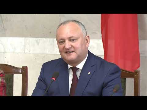 Глава государства вручил высокие государственные награды за заслуги в архитектуре и градостроительстве