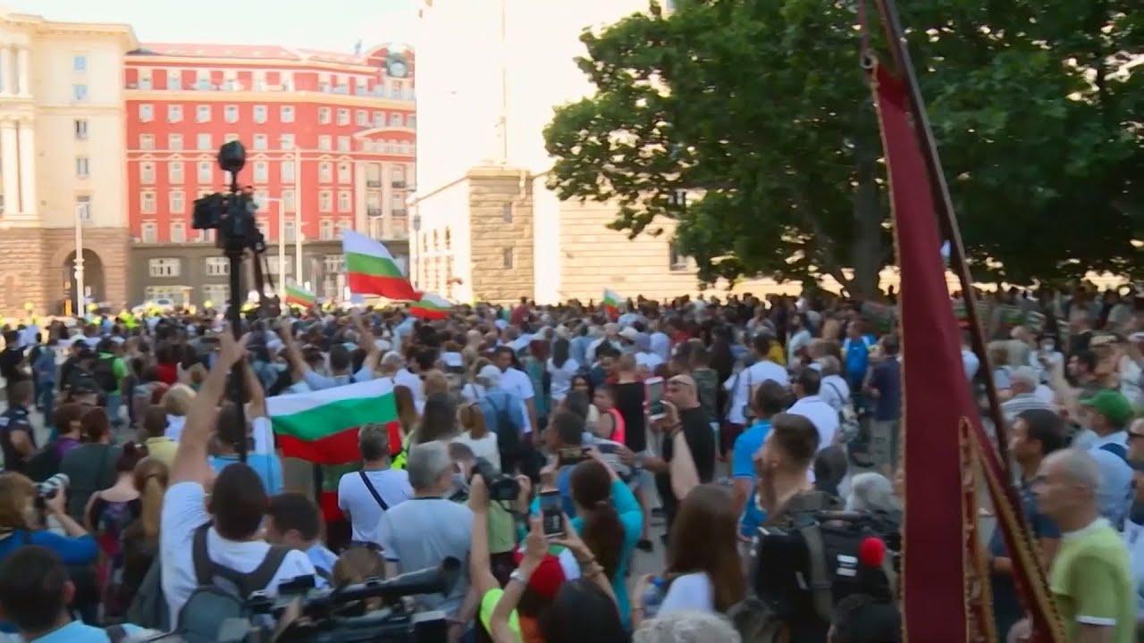 Πολιτική κρίση στη Βουλγαρία: Ο Πρόεδρος ζητά παραίτηση της κυβέρνησης, νέες διαδηλώσεις