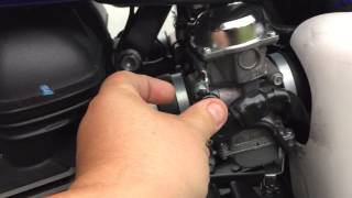 10. garage:Laverty- EFI Triumph Bonneville idle adjustment -or- They All Lied To Me!