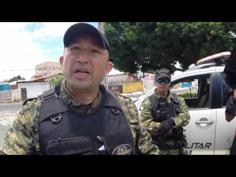 Traficante e usuário de drogas são pegos em flagrante na região do Pedra Mole - R10