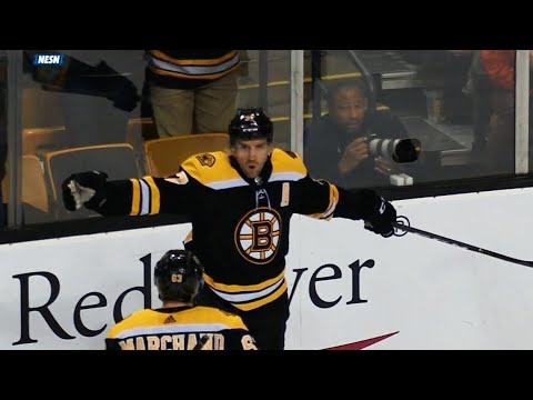 Video: Bruins' Pastrnak, Marchand set up Bergeron for one-touch hammer