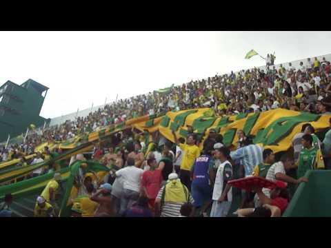 Defensa vs Banfield ESTA ES LA BANDA DE VARELA ♫♪ - La Banda de Varela - Defensa y Justicia
