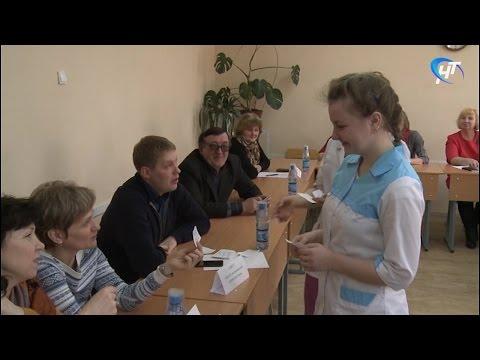 В медицинском колледже НовГУ состоялась Ярмарка вакансий