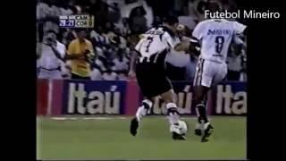 O primeiro jogo da final do Campeonato Brasileiro, realizado no aniversário de 102 anos de Belo Horizonte, 12/12/1999,...