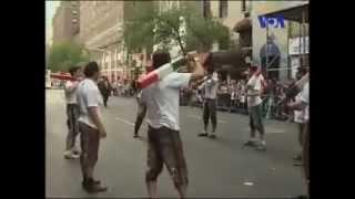 اجرای باباکرم در خیابان های نیویورک
