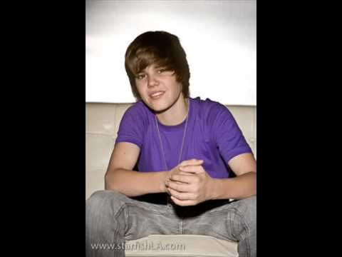 Justin Bieber – Love Me with RARE Pics