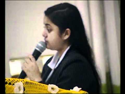 Mariane  Pregando na IPDA de  Ourinhos