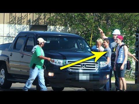 HIDDEN CAM: 'Stealing' Illegal Immigrant's Jobs! (видео)