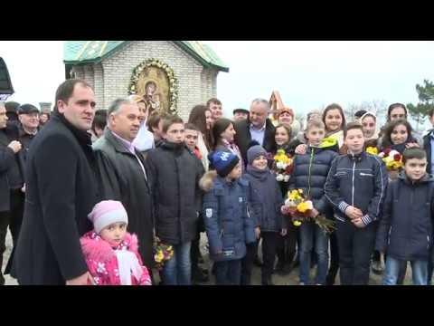 Președintele țării a participat la liturghia oficiată la Biserica Adormirii Maicii Domnului din satul Gaidar