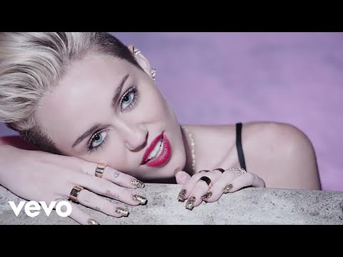 Miley Cyrus estrena vídeo subidito de tono 'We Can't Stop'